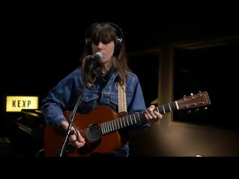 Eleanor Friedberger - Sweetest Girl (Live on KEXP)