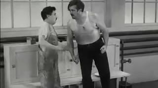 """Чарли Чаплин фильм """" Новые времена""""- отрывок."""