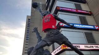 Michael Jordan statue at United Center