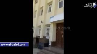 غضب عارم بين مواطني نويبع بسبب تأخر موظفي الشهر العقاري.. فيديو