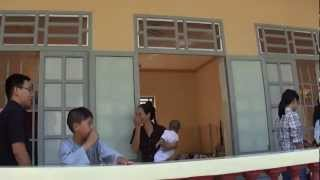 越南真事嬰兒被棄   Vietnamese Baby is abandoned