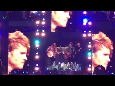 Ed Sheeran, Glen Hansard and Kodaline sing 'Molly Malone' in Croke Park