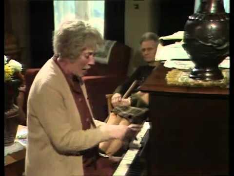 The Kinks - Waterloo Sunset - Queenie Watts..