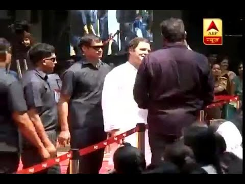 Mysore: Rahul Gandhi poses for a selfie with a student at Maharani's Arts College