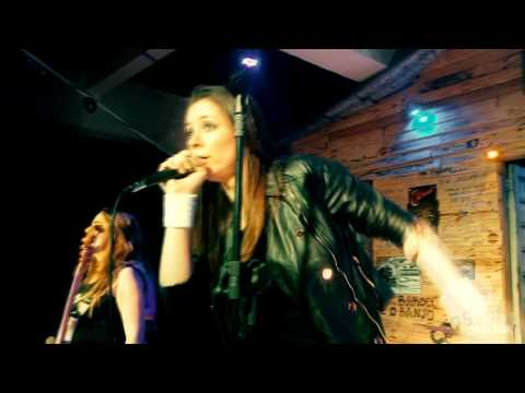 Iron Ladies - 2 Minutes To Midnight (Mult Cam) HD (Brazilian Cover Band)
