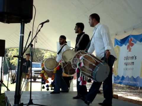Dhol Drummers Folk Festival Richmond 08 - Dholi Ma...