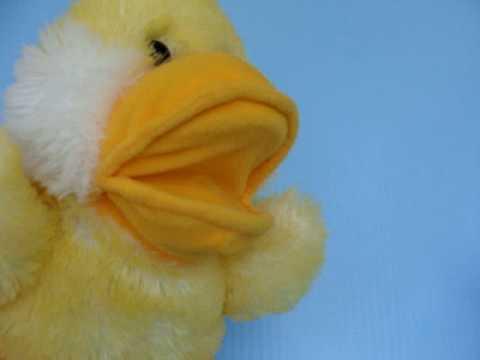 Singing QUACKING Duck DUCKLING Hand PUPPET Musical FABULOUS