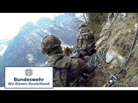Gebirgsjäger der Bundeswehr greifen an