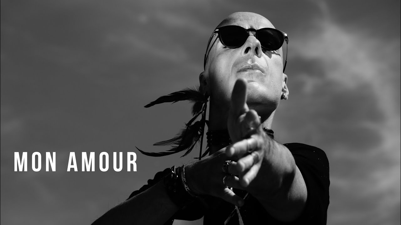 Download GIFT - Mon Amour (official video)