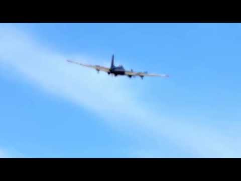 B-17 Takeoff from Dutchess County Airport 2015-8-23