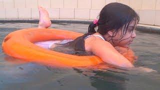 طلعنا نتسبح في المسبح الحار ♨