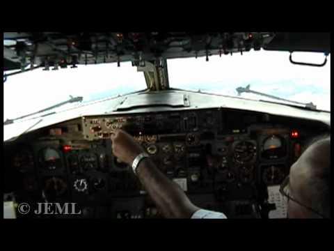 B737-200 Rollins Air,cockpit, MHLM-MHLC, Honduras.