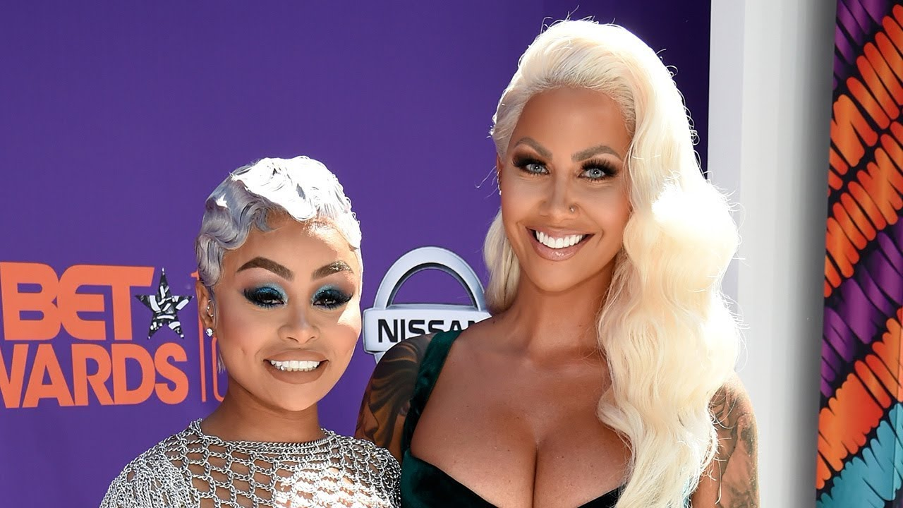 Amber Rose KISSES BFF Blac Chyna At The 2018 BET Awards