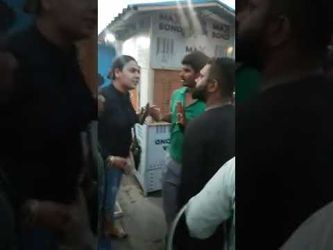 Girl fight at Elante mall chandigarh VIRAL WORLD