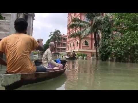 2015 Ganges River flood of Mayapur video plus Food For Life.