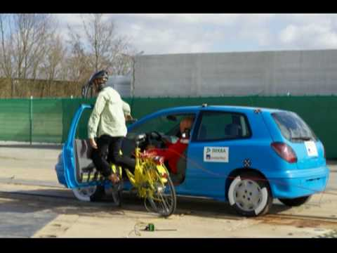 What Happens When You Open a Car Door In Front Of A Bicycle? : cyclist car doored - pezcame.com