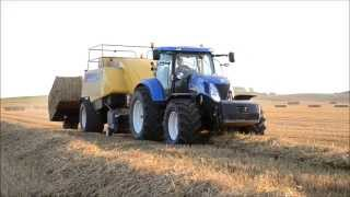 New Holland T7070 with New Holland BB9090 baler behind