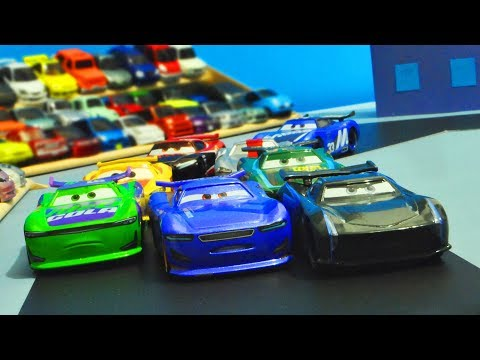 Disney Cars 3 : The Next Generation Piston Cup Race! - StopMotion