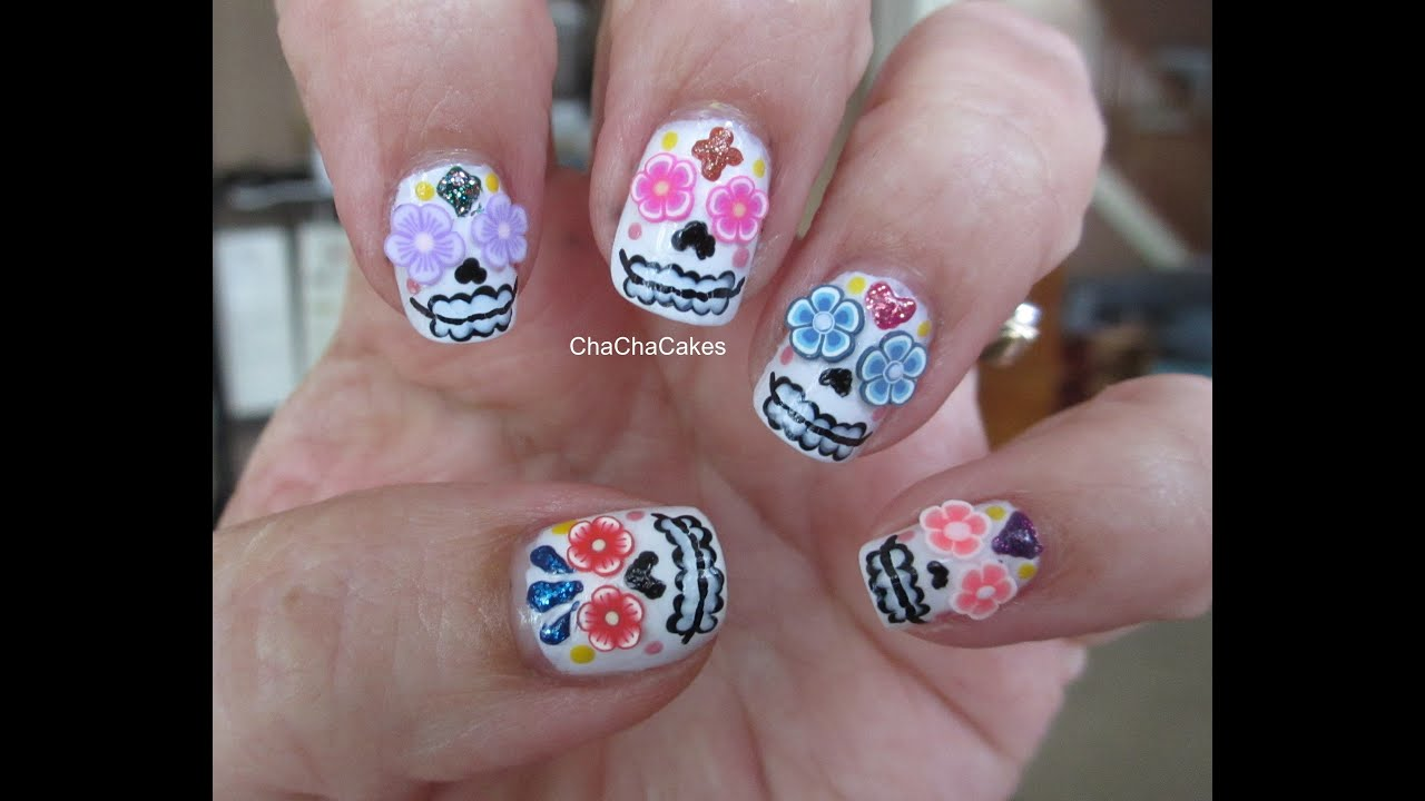 Sugar Skulls Nail Tutorial: Dia de los Muertos - YouTube