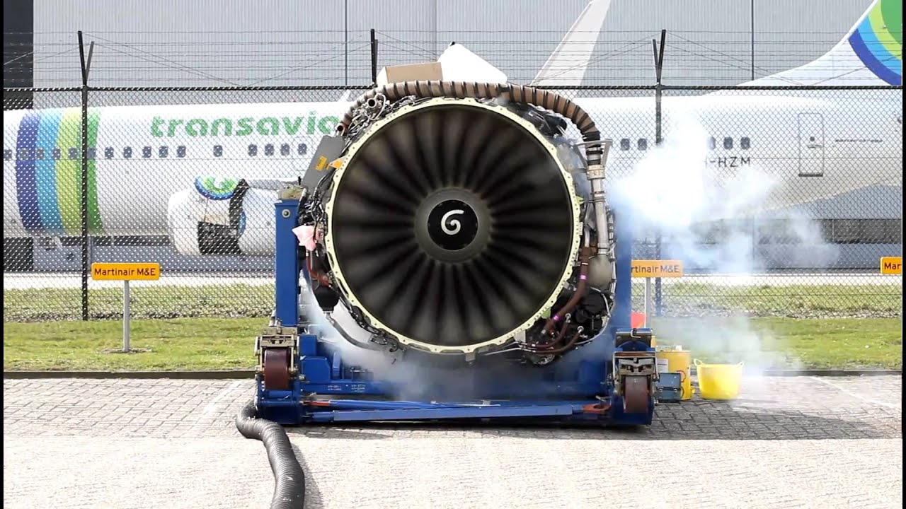 Aircraft engine spinning up after long term storage [Full HD