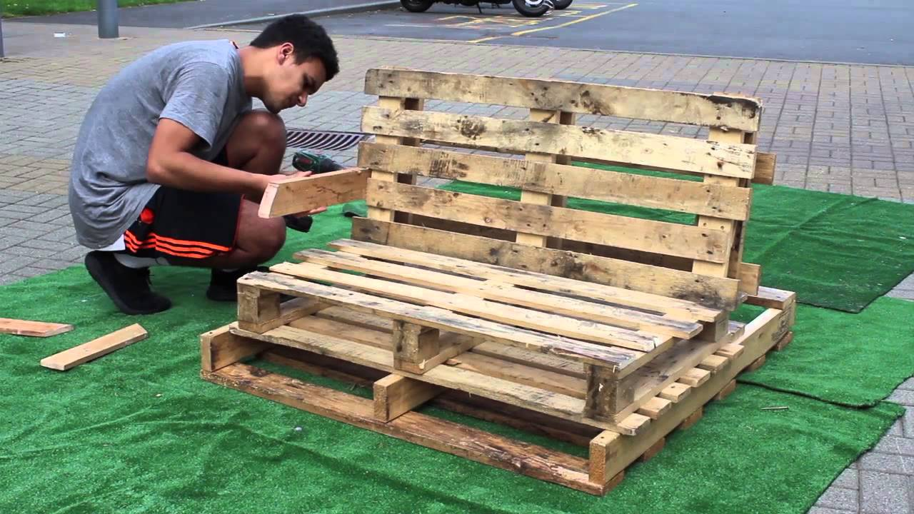 Pallet Lounge Bench - YouTube