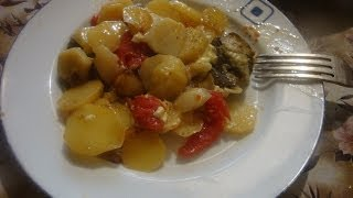 картофель тушеный с баклажанами в сковороде