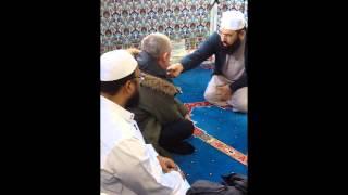 A NON MUSLIM BROTHER CONVERT TO ISLAM AT QUWWAT UL ISLAM MASJID LONDON
