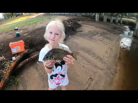 Perth Swan River Bream Fish With Ameliya And Annabel