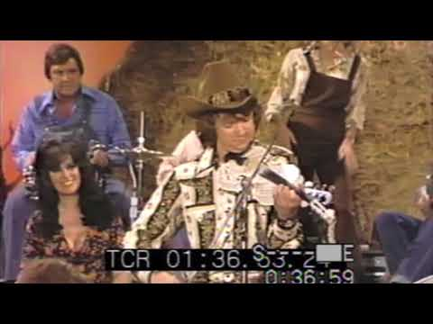 Hee Haw T.V. Show - (1975) Mark O'Connor performance at age 14!