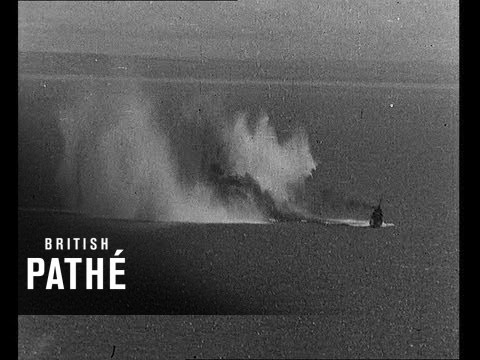 Air Drama in the English Channel - Nazi Bombers attack British Ships