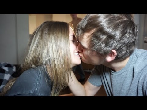 Thumbnail: THEY LOVE MAKING OUT!! | David Dobrik