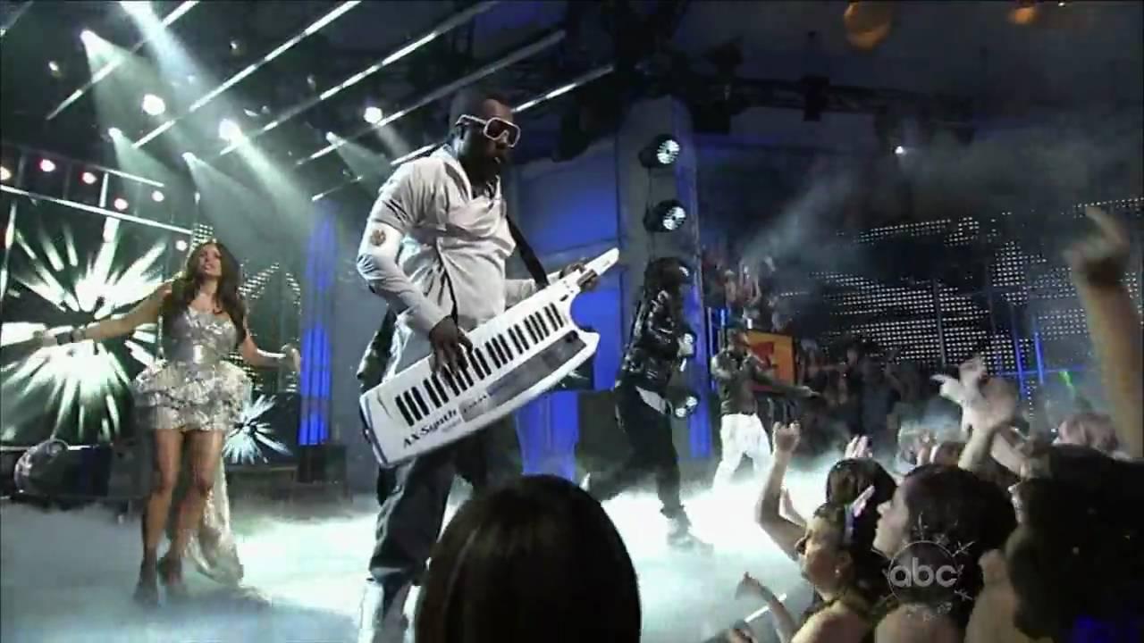 Download Black Eyed Peas - Meet Me Halfway - New Year's 2010 HD