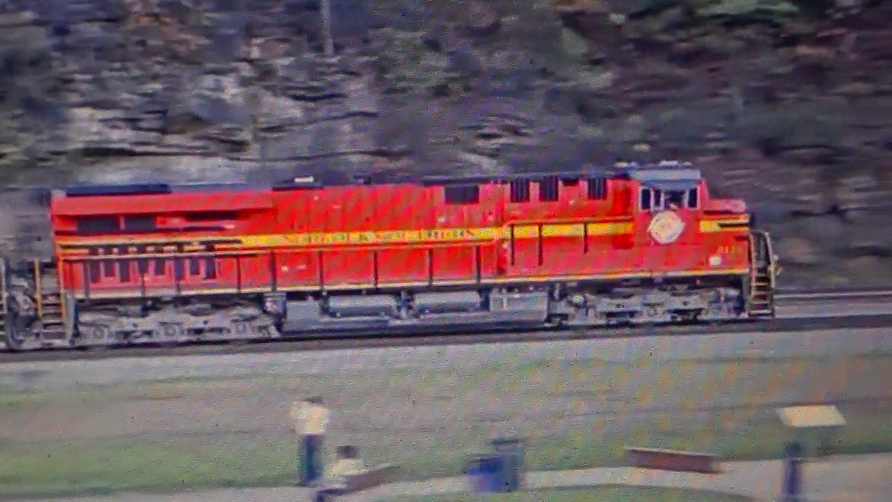 The Best 3 Way Meet Ever On The Horseshoe Curve Webcam -3746