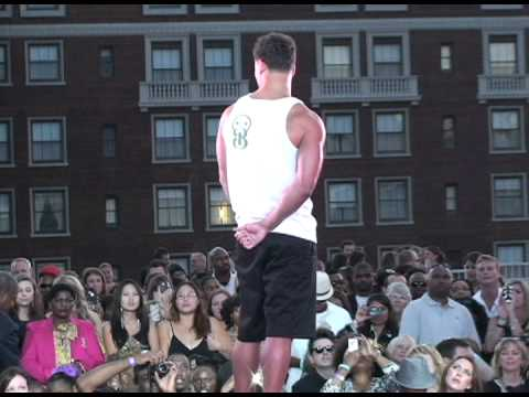 EinsWear Cloth. Co. Rooftop Couture Fashion Show