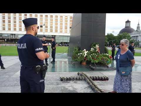 PiSowska Cenzura Wieńców Pod Schodami Smoleńskimi 11.07.2021 Warszawa #DEMOdoc