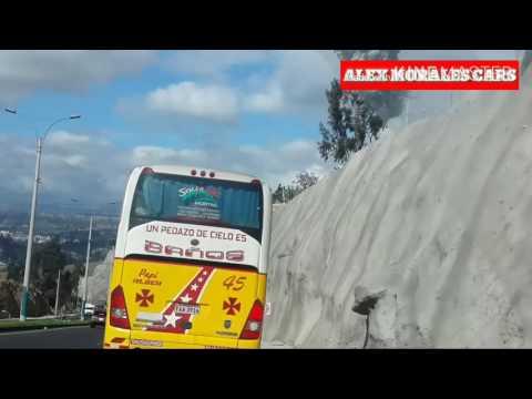 Freno de motor impresionante de un bus yutong