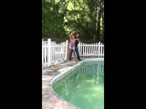 Lynnzi gettin thrown in the pool lol