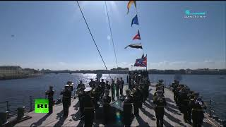 Air show marks the 75th anniversary of Victory Day in St. Petersburg