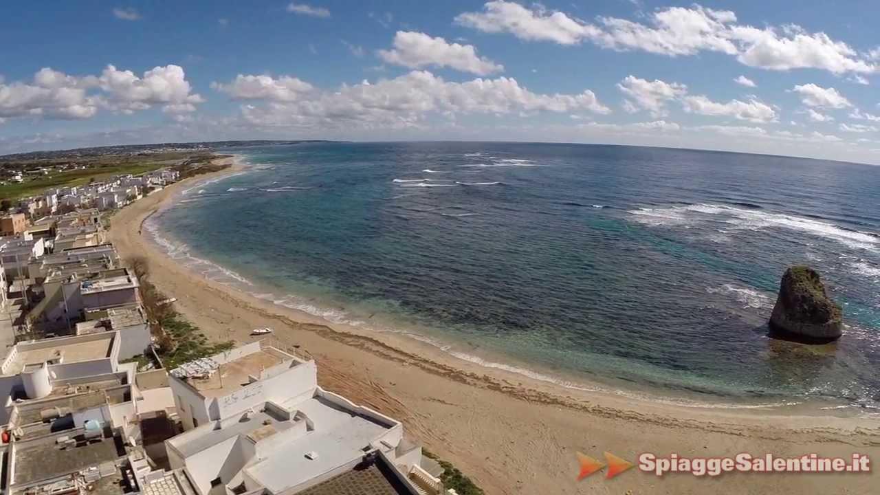 Torre pali riprese da un drone della spiaggia di salve le salento youtube - Torre specchia spiaggia ...