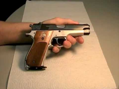 Smith and Wesson 39-2 Review and Disassembly