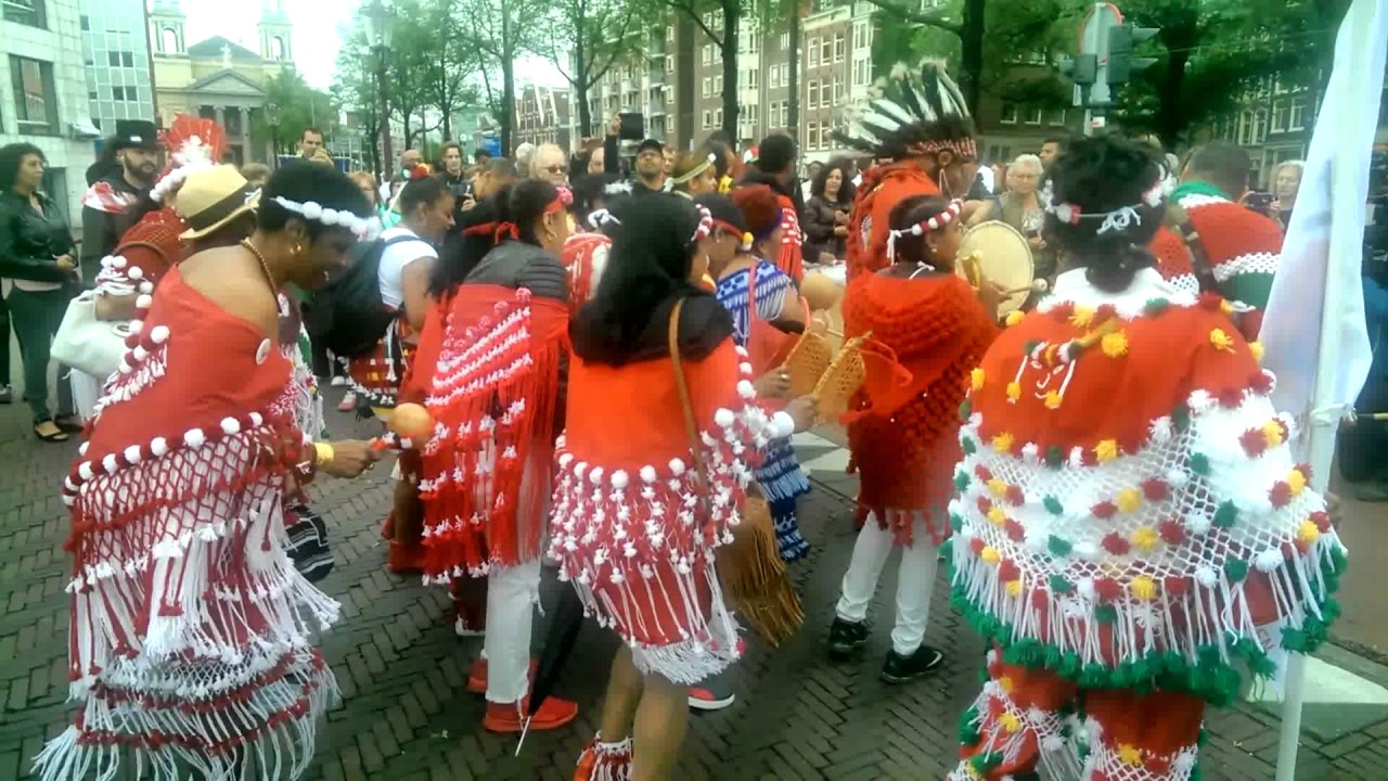 Keti Koti Festival Bigi Spikri Optocht Waterlooplein
