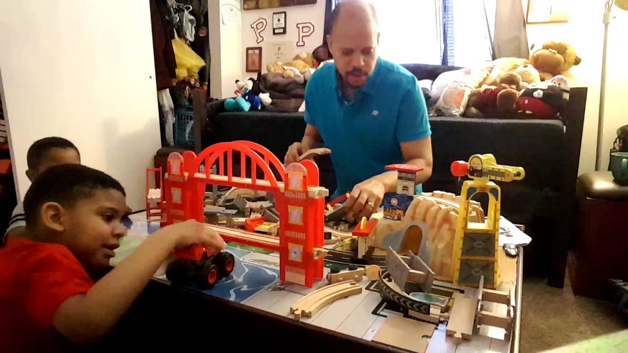 Assembling Train   KidKraft Metropolis Train Table