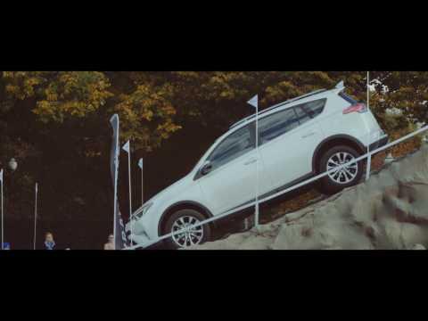 Вывешиваем Toyota RAV4. Тест полного привода и внедорожных ассистентов