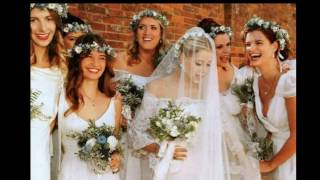Обзор свадебных бутоньерок и веночков для подружек невесты