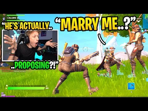 I witnessed a boyfriend PROPOSING to his GIRLFRIEND in Fortnite... (they got MARRIED!)