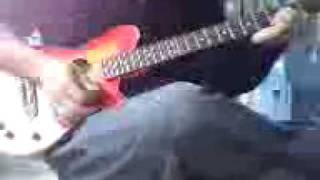 歌のキーが滅茶苦茶でした。本当はソロの部分はピアノなんですが適当にギター...