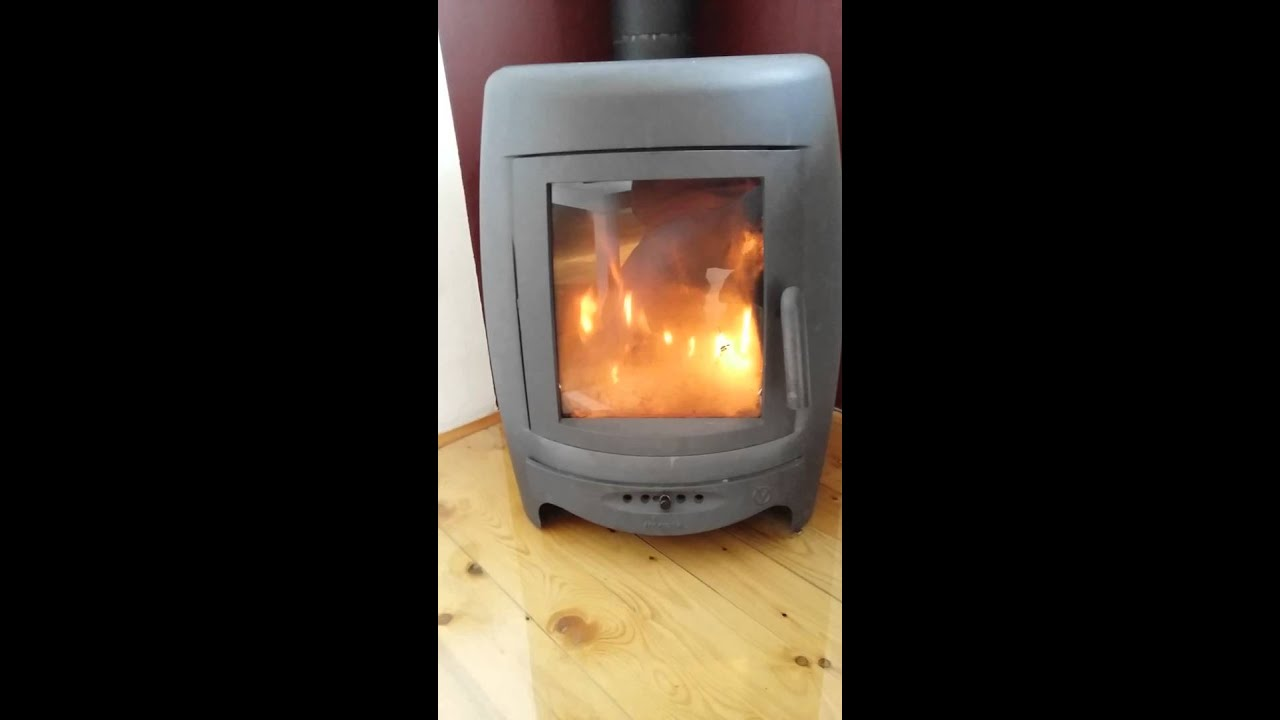 Invicta La borne fire stove - YouTube