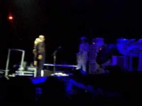 Madonna - Erotica - Confessions Tour Paris 31 08 2006