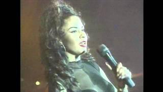 Selena - El Chico del Apartamento 512 (Estadio de Beisbol Monterrey 1994)
