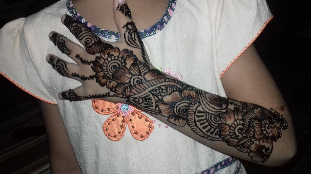 Mehndi Designs on Kids Hands